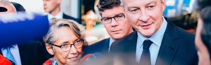 Bruno Le Maire interrogé par des journalistes