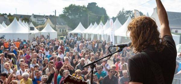 Un concert donné lors de l'édition 2018 du Festival Les Insulaires