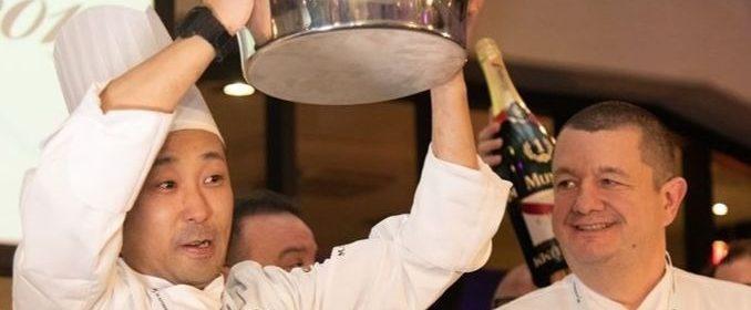 Le chef japonais Osamu Tsukamoto du restaurant Cerulean Tower, à Tokyo, a remporté le premier prix du championnat du monde de pâté croûté