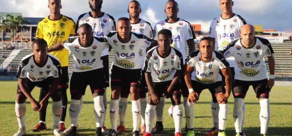 La JS Saint-Pierroise s'est qualifiée pour les 16e de finale de la Coupe de France en battant Niort par le score de 2 buts à 1.