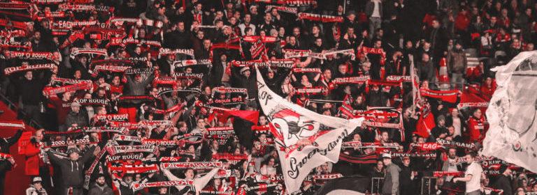 Les supporters de l'En Avant Guingamp dans leur tribune.