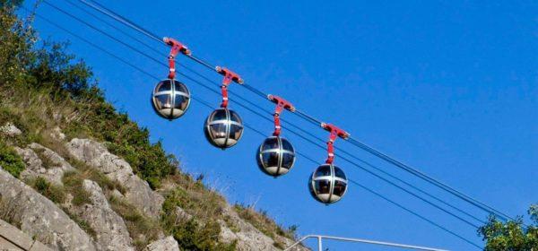 Les célèbres bulles du téléphérique de Grenoble.